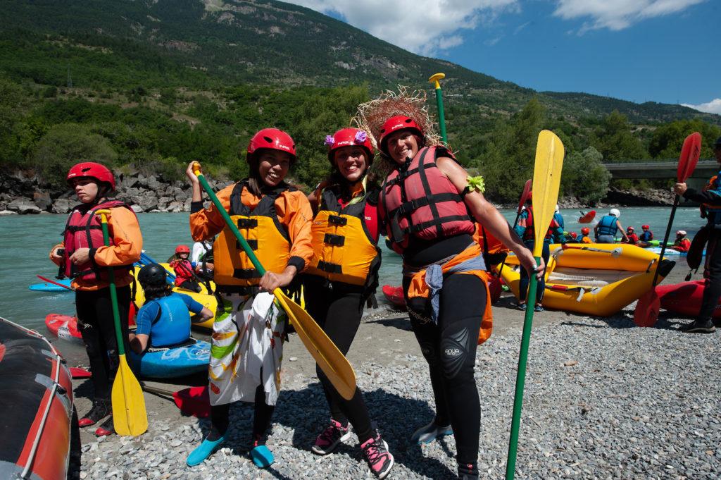 Participantes à la Grande Descente raft du Durance festival ©raoul getraud